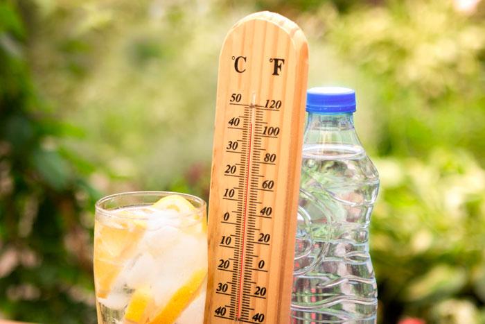Обильное питье при тепловом ударе