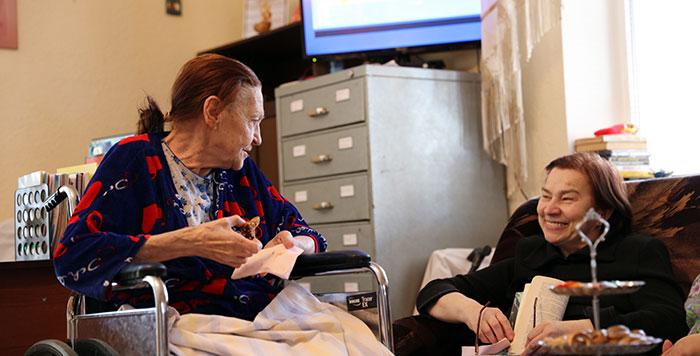 Свободное время у пожилых в частном доме престарелых