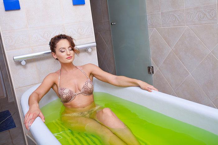 Процедура принятия хвойной ванны