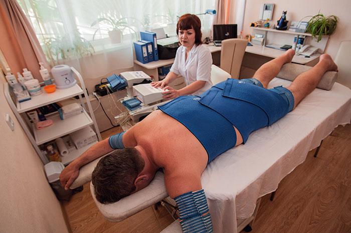 Сеанс электростимуляции мышц тела