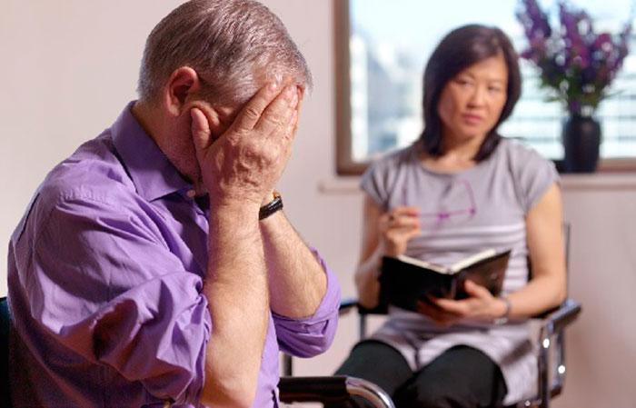 Страх у человека из-за нарушений речи