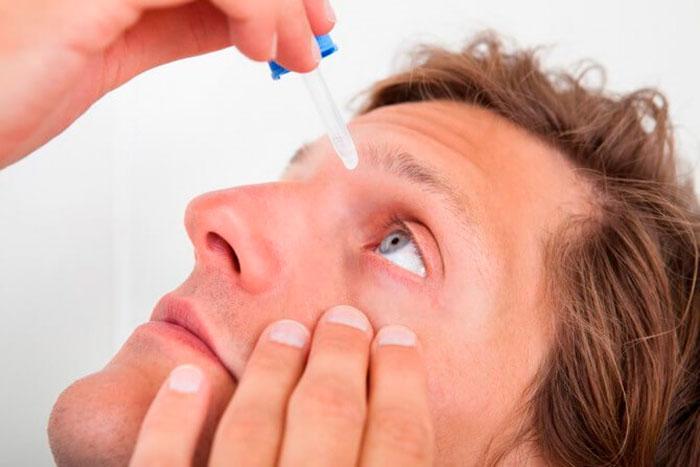 Лечение конъюнктивита с помощью глазных капель