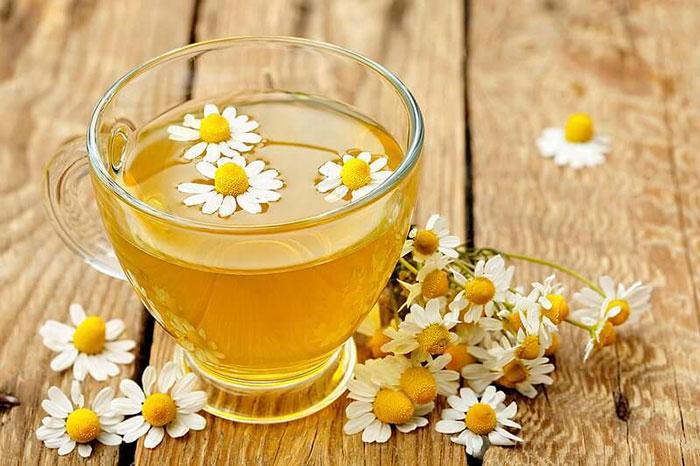 Чай из ромашки для облегчения симптомов височного артрита