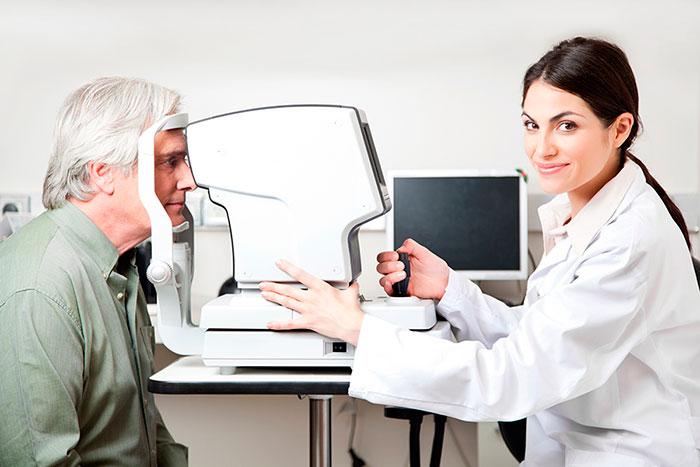 Диагностика врачом вторичной глаукомы