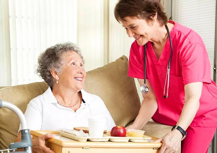 Сбалансированное питание очень важно для больных Паркинсоном