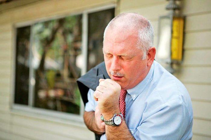 Постоянный сильный кашель один из симптомов пневмосклероза легких