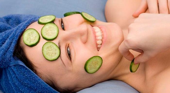 Огурцовая маска для борьбы с дряблой кожей на шее