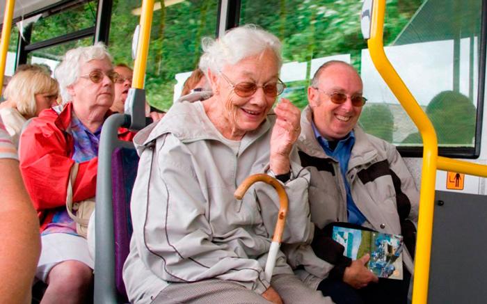 Транспортные льготы для граждан пенсионного возраста в СПб в 2018 году