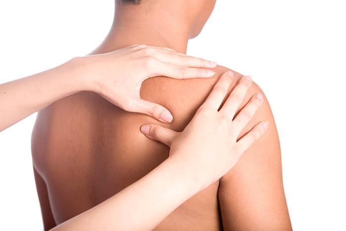 Лечебный массаж при миозите мышц плеча