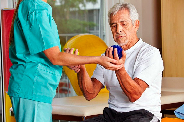 Восстановление подвижности кисти после удаления гигромы
